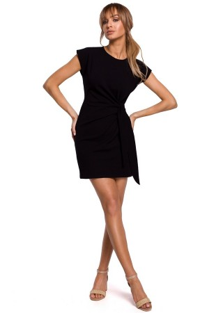 Minikleita ar elegantu savilkumu melna M508-black Moe Kleitas Greetha