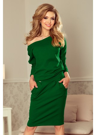 Brīva piegriezuma kleita zaļa 189-3 Numoco Kleitas Greetha