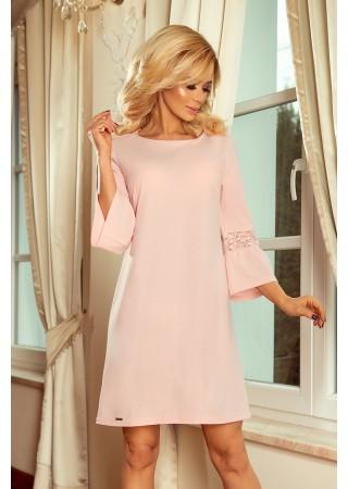 Brīva piegriezuma kleita ar mežģīnēm rozā Numoco Kleitas Greetha